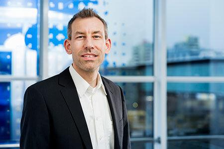 Dr. Mike Eissele, Vyresnysis viceprezidentas, Inžinerija